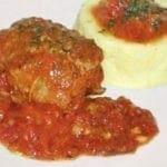 Paupiette de veau, sauce tomate et oignon