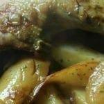 Cuisses de canard aux pommes de terre et aux poires